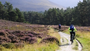 With 3 circular routes mountain biking is very popular at Rothiemurchus TT
