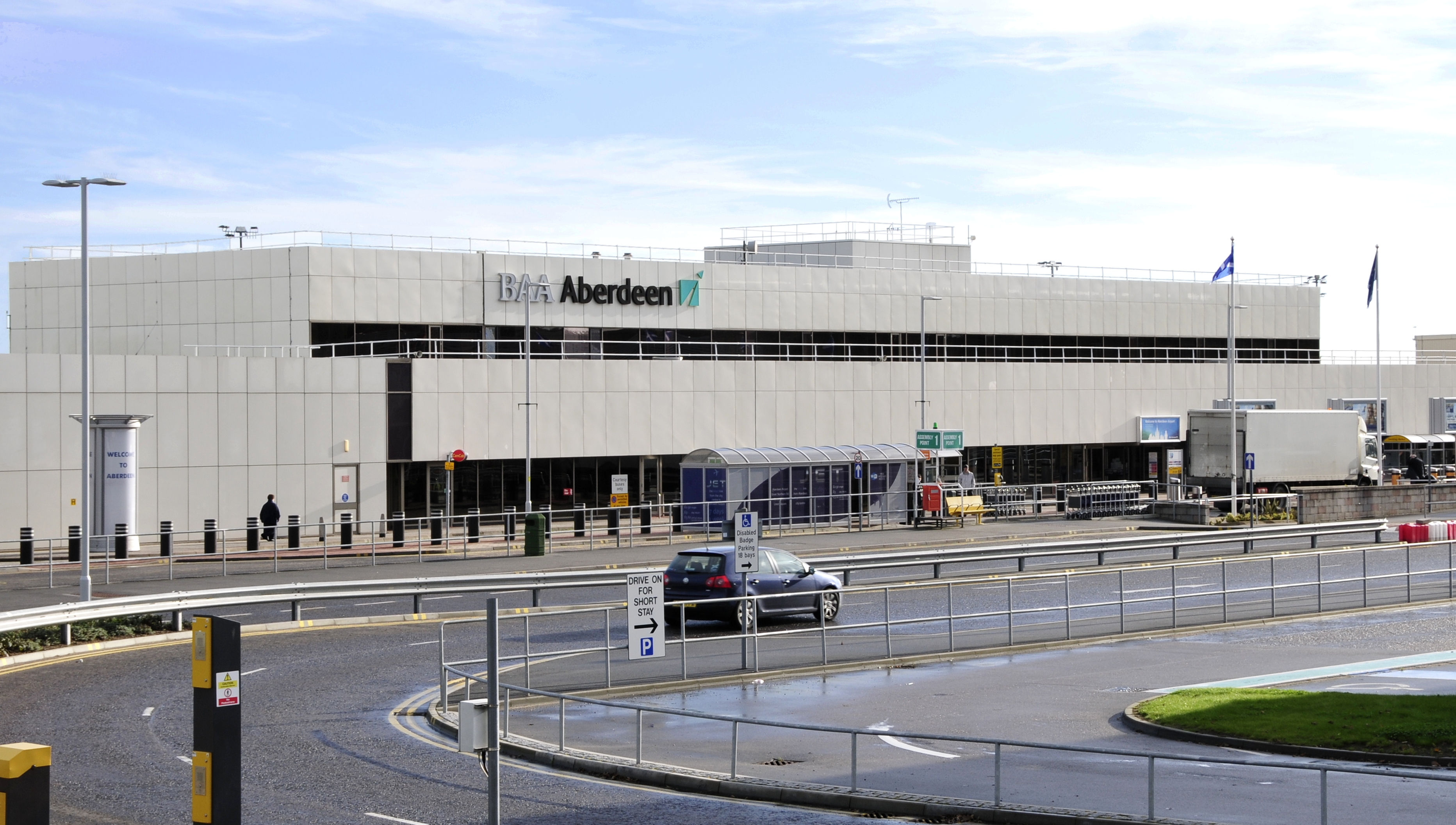 aberdeen airport Pick up your rental car directly from aberdeen airport compare the best deals at abz airport from quality car rental providers, large and small lowest price guarantee.