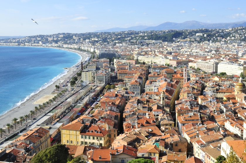 View of the the city's main seaside promenade, the Promenade des Anglais© Thomas Thielemans